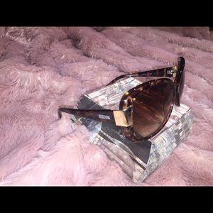 Woman's Kenneth Cole Reaction Tortoise Sunglasses